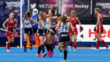 Las Leonas vencieron 2 a 0 al Chile de Cachito Vigil, en su debut en la World League.
